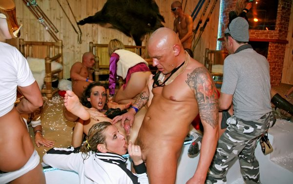 Tube Porn real group sex parties