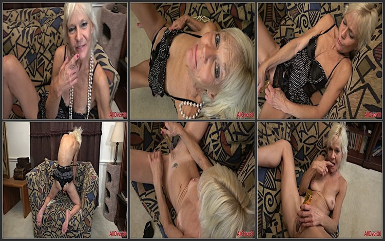 Experienced milf engaged in depraved sex!(50+,age,mother)