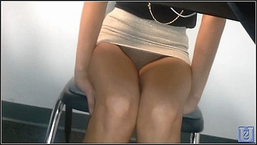 Upskirt No Panties 105