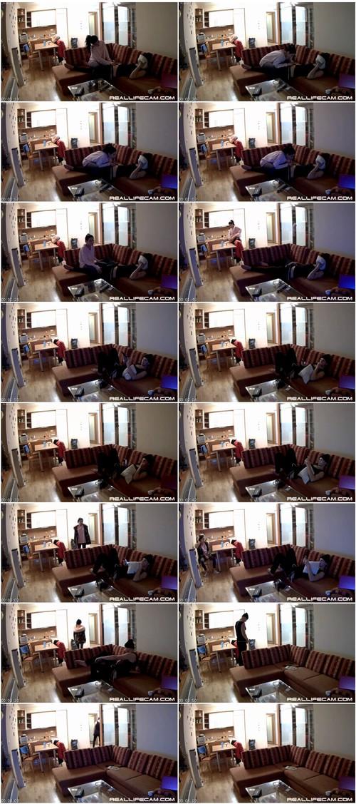 Reallifecam078_thumb_m.jpg
