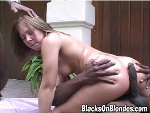 BlacksOnBlondes-g125_cover_m.jpg