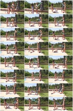 [Image: MiamiMeanGirls-n052_thumb_s.jpg]