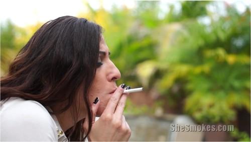 SmokingsexyladiesVZ210_cover_m.jpg