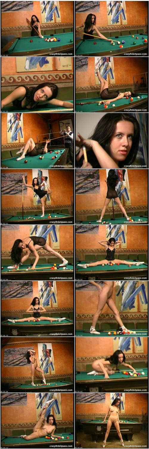 flexifetishgirls063_thumb_m.jpg