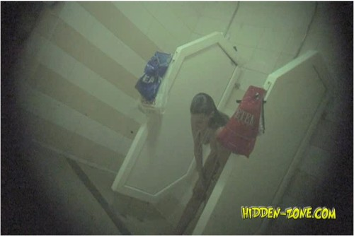 Hidden-zoneShower%20Room310_cover_m.jpg
